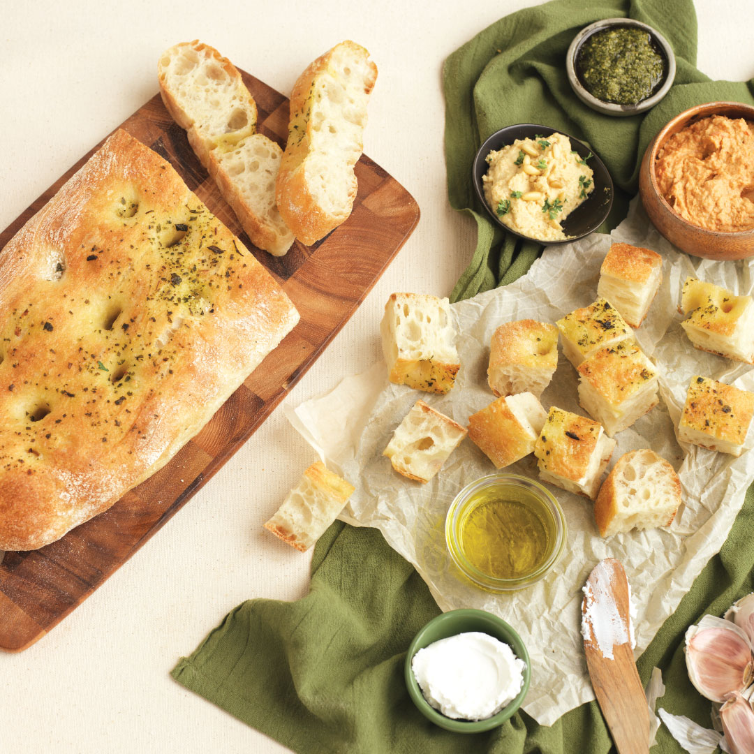 Turkish-Loaf-with-Oil-and-Dips